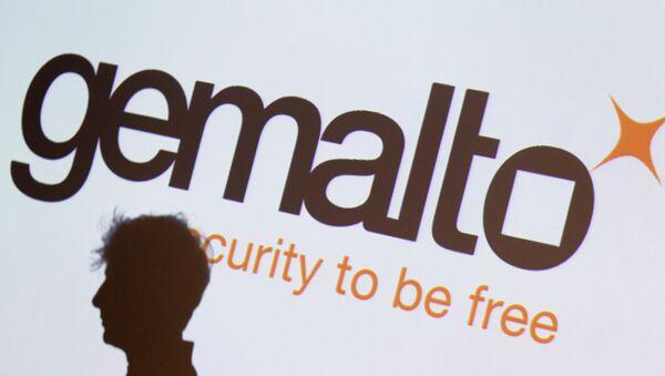 Gemalto confirma que los servicios secretos de EEUU y Gran Bretaña hackearon sus redes - Sputnik Mundo