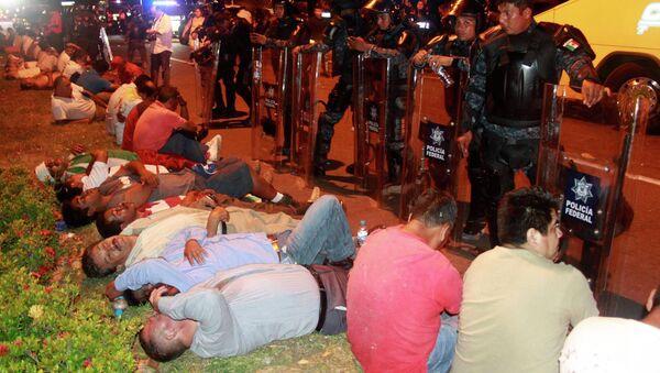 Disturbios en Acapulco - Sputnik Mundo