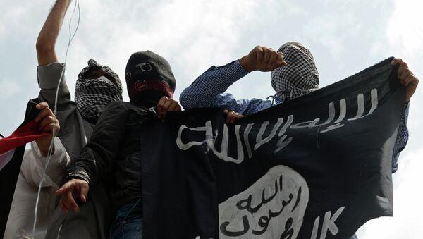 Militantes del grupo yihadista Daesh (archivo) - Sputnik Mundo