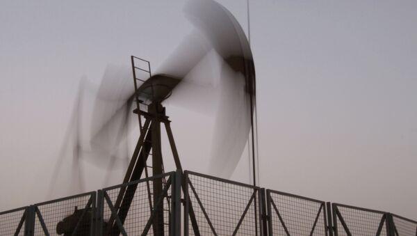 Goldman Sachs admite haber pronosticado demasiado a la baja el precio del crudo para 2015 - Sputnik Mundo