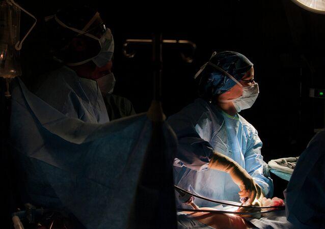 Operación quirúrgica (archivo)