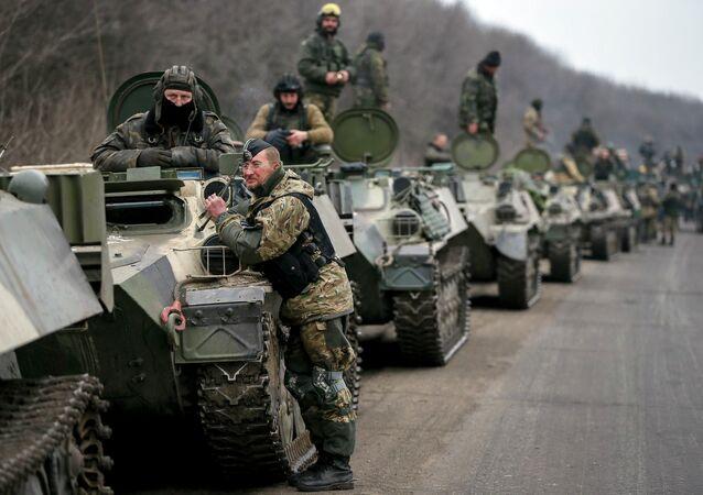 Miembros de las fuerzas armadas ucranianas