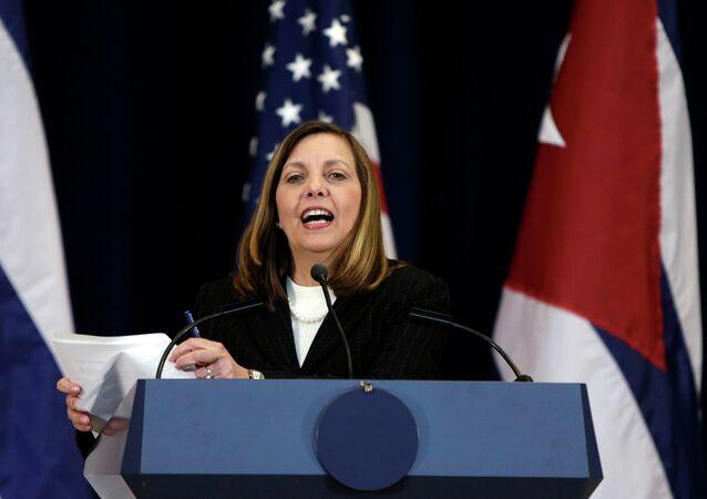 Josefina Vidal habla durante las reuniones entre EEUU y Cuba