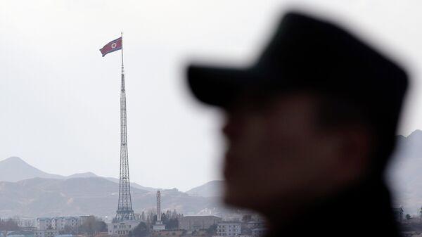 Soldados norcoreanos practican tiro al blanco con foto de la presidenta Park - Sputnik Mundo