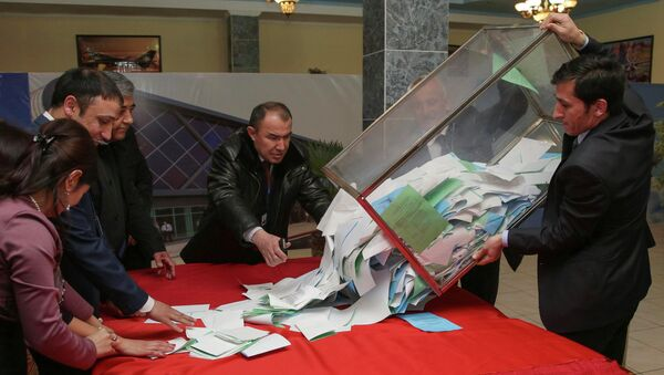 El partido oficialista triunfa en las elecciones parlamentarias de Tayikistán - Sputnik Mundo