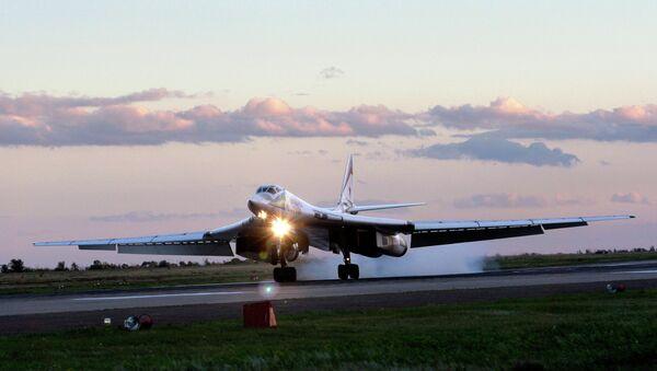 Russia's strategic bomber Tu-160 - Sputnik Mundo