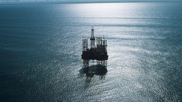 Плавучая буровая установка Ока в Охотском море - Sputnik Mundo