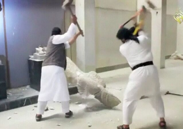 Vandalismo del Estado Islámico en el Museo de Mosul