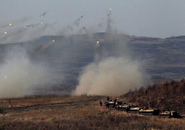 Maniobras con lanzaderas múltiples Grad en el Este de Rusia (archivo)