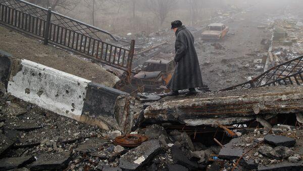 Destrucciones en Donbás - Sputnik Mundo