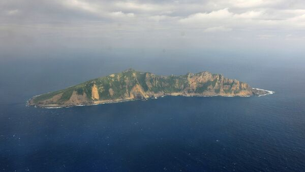 One of the small islands in the East China Sea known as Senkaku in Japanese and Diaoyu in Chinese. (File) - Sputnik Mundo