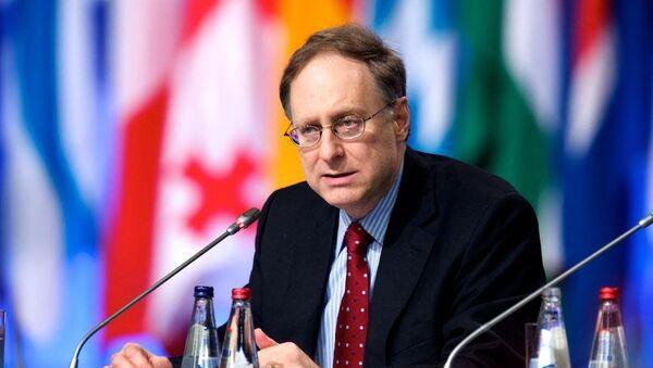 Alexander Vershbow, vicesecretario general de la OTAN - Sputnik Mundo