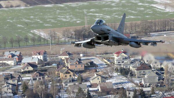 Caza Eurofighter Typhoon de las fuerzas de la Otan - Sputnik Mundo