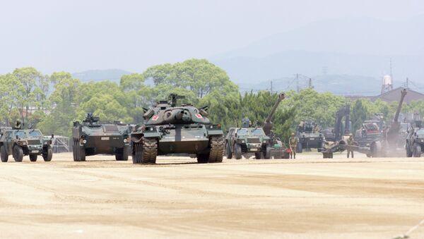 Танки и другая военная техника сил самообороны Японии - Sputnik Mundo