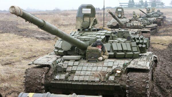 Carros de combate T-72 en la región de Kaliningrad - Sputnik Mundo