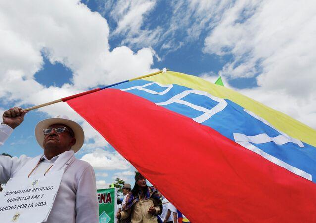 Corte Constitucional de Colombia recibe propuesta que avala plebiscito por la paz