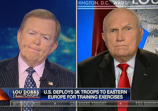 Robert Scales, experto militar de Fox News (dcha.)