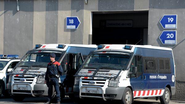 Coches de los Mossos d'Esquadra, la Policía autonómica catalana - Sputnik Mundo