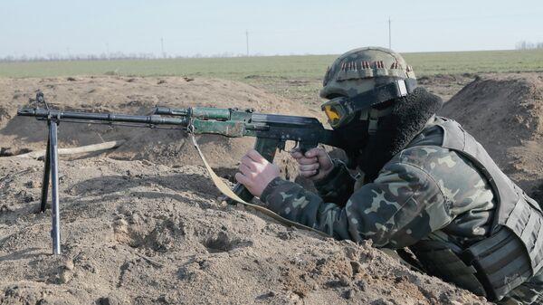 Un soldado ucraniano - Sputnik Mundo