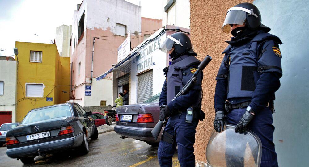 Policías españoles