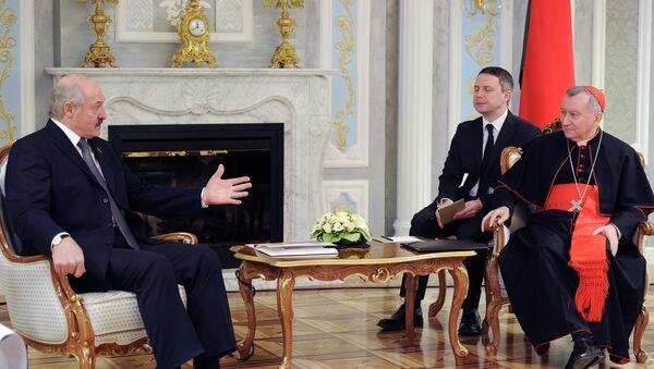 Alexandr Lukashenko, presidente de Bielorrusia, y Pietro Parolín, cardenal y secretario de Estado del Vaticano - Sputnik Mundo