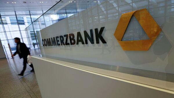 EEUU multa a un banco alemán por hacer negocios con Cuba - Sputnik Mundo