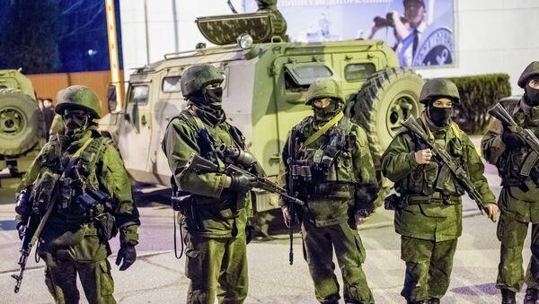 Militares rusos en Sevastópol, Crimea - Sputnik Mundo