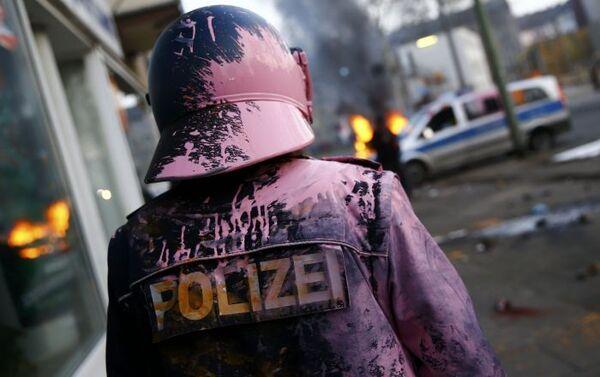 Protestas frente a la nueva sede del BCE en Fráncfort - Sputnik Mundo