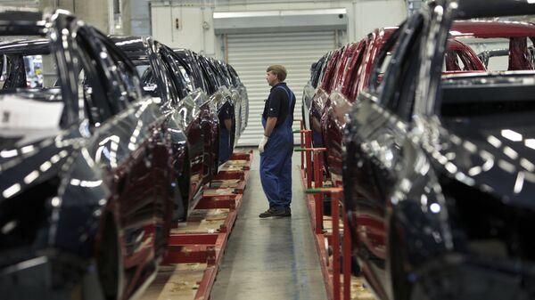 Начало производства малогабаритных автомобилей Opel Astra на заводе General Motors в производственной зоне Шушары-2 Санкт-Петербурга - Sputnik Mundo
