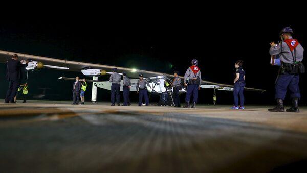 El avión Solar Impulse 2 hace escala en Myanmar dentro de su vuelta al mundo - Sputnik Mundo