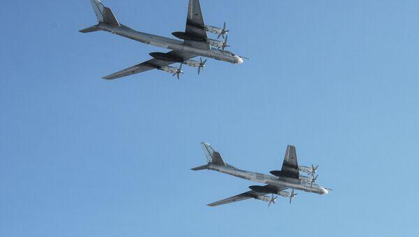 Bombarderos estratégicos rusos Tu-95 - Sputnik Mundo