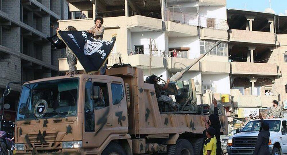 Militantes de Daesh en Raqa (Archivo)