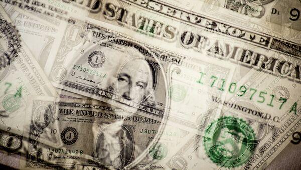 Multimillonario estadounidense desaconseja invertir en el dólar - Sputnik Mundo