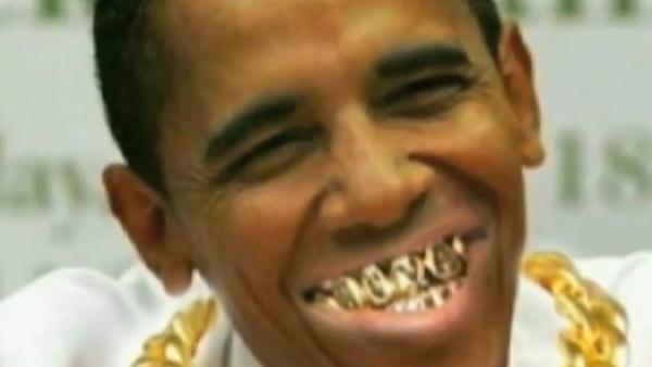 El policía Alex Álvarez produjo un video que muestra al presidente Obama con cadenas de oro y dientes dorados - Sputnik Mundo