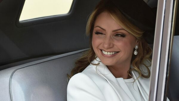 Angelica Rivera, the wife of Mexico's President Enrique Pena Nieto, smiles as she arrives to a ceremonial welcome at Horse Guards Parade in London March 3, 2015. - Sputnik Mundo