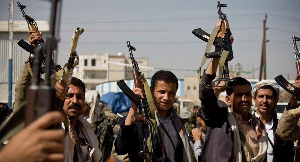 Milicianos del movimiento chií de los hutíes