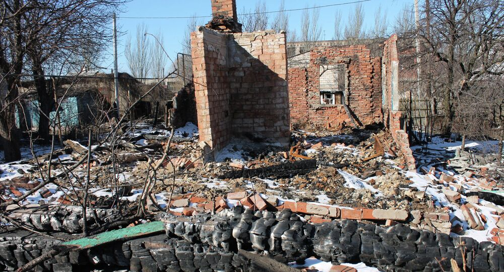 Casas destruidas en Donbás