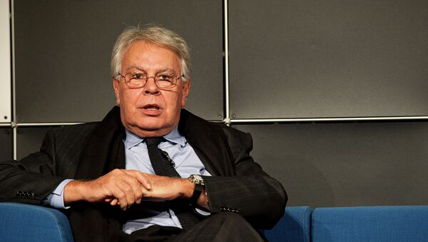 Felipe González auf dem Blauen Sofa - Sputnik Mundo