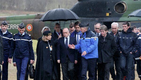 Bernard Cazeneuve, ministro del Interior de Francia - Sputnik Mundo