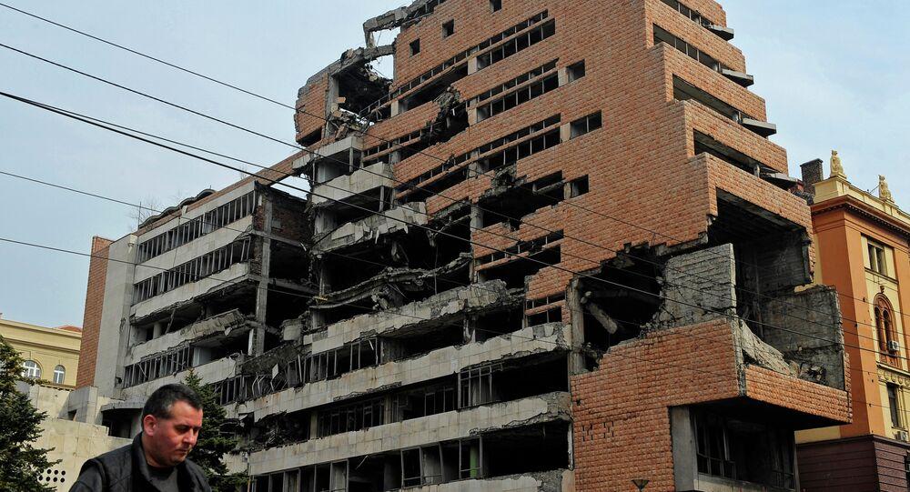 Edificio destruido por los bombardeos de la OTAN en Belgrado
