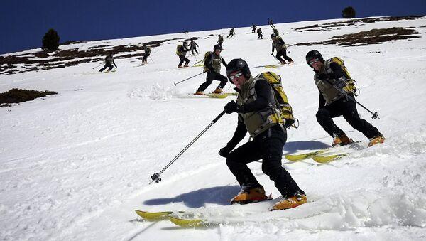 Estación de esquí  de Candanchú en Pireneo aragonés - Sputnik Mundo