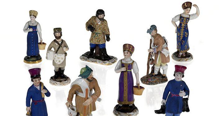 Figuras de porcelana rusas en la galería londinense de MacDougall´s