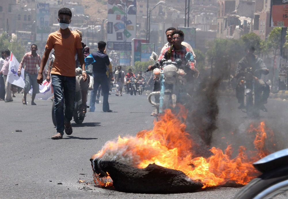 Los hutíes se hicieron con el control de la tercera ciudad del país, Taiz