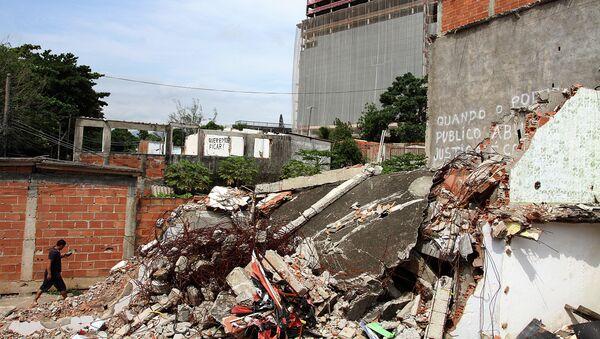 Edificios destruidos en la comunidad de Vila Autódromo - Sputnik Mundo