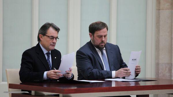 Presidente de Cataluña, Artus Mas (izda.) y líder del partido ERC, Oriol Junqueras (archivo) - Sputnik Mundo
