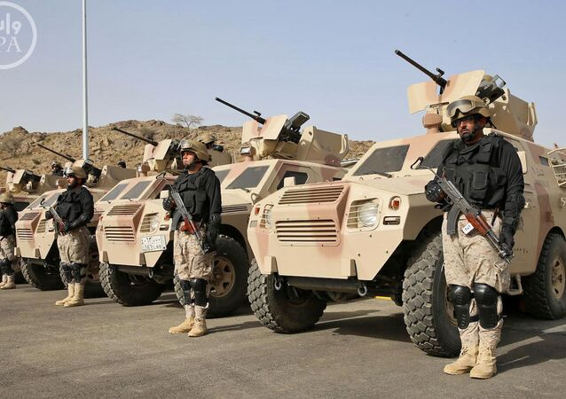 Ejército saudí terrestre y unidades de las fuerzas especiales del ejército paquistaní