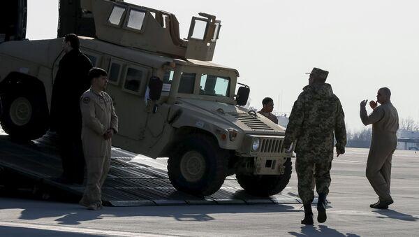 Todoterrenos militares Humvee - Sputnik Mundo