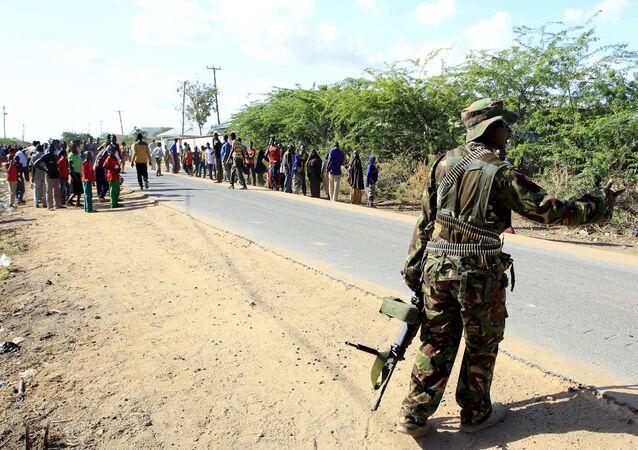 Un hombre ataca brutalmente con un cuchillo a un guardia cerca de la Embajada de EEUU en Kenia