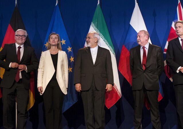 Walter Steinmeier, Federica Mogherini, Javad Zarif, Alexey Karpov y Philip Hammond en Lausana