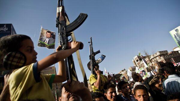 Hasta un tercio de los combatientes en Yemen serían niños, estima la Unicef - Sputnik Mundo
